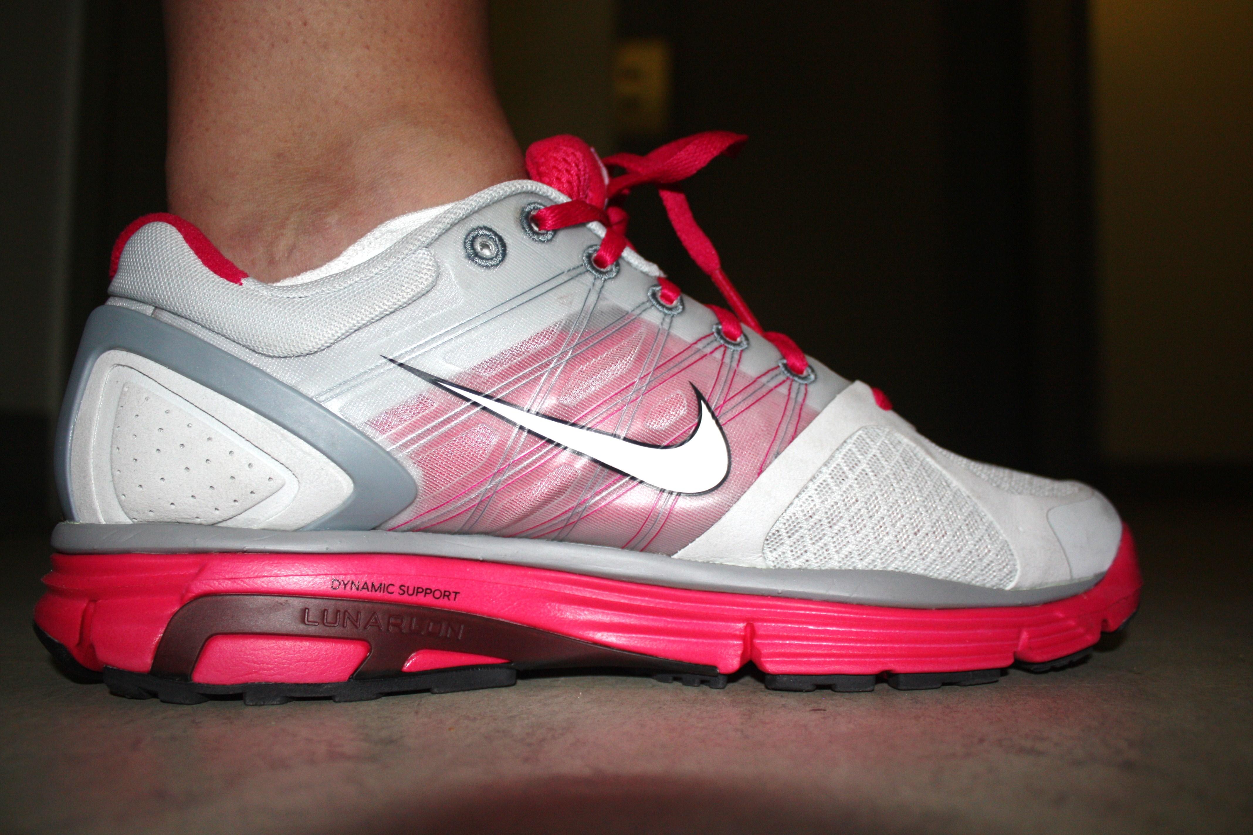 wholesale dealer 8734b e64cc Nike LunarGlide + 2 Women s ...